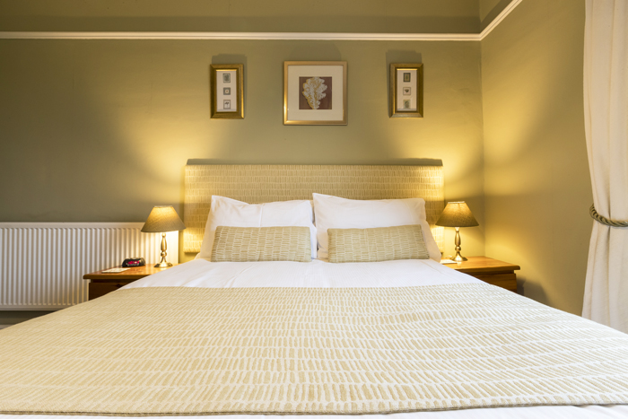 Double bed, comfortable room, Edale House B&B