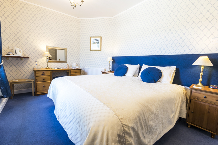 Deluxe bedroom at Edale House B&B