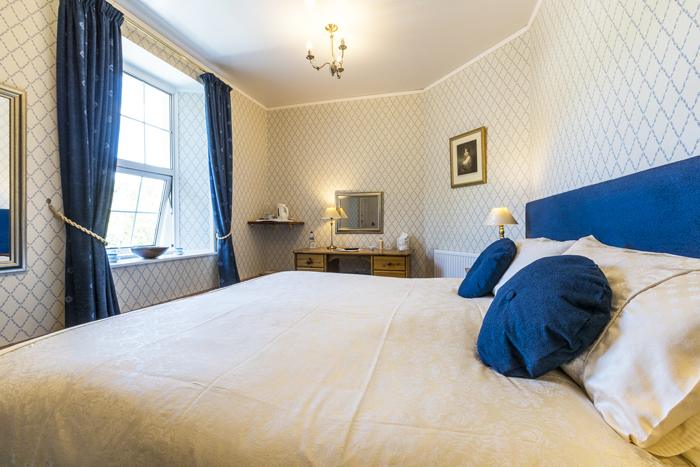 Deluxe super king beds at Edale House B&B